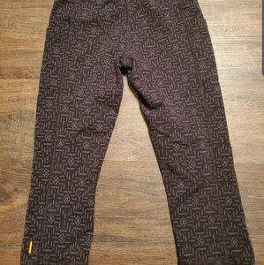 Lucy Pants - Lucy Printed Capri Pocket Leggings